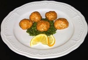 Lachsbällchen mit Dill-Pesto